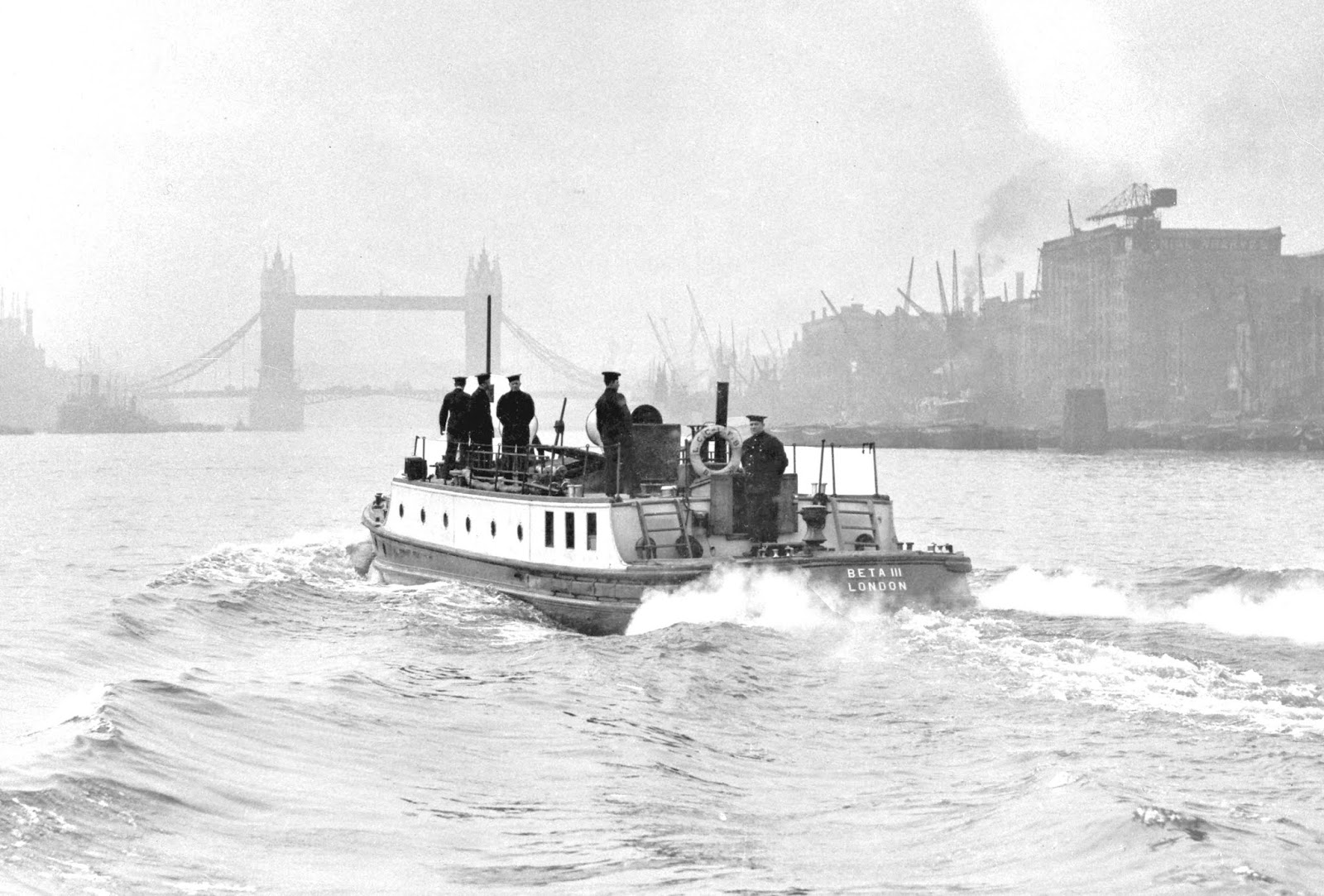 Beta III fireboat on the River Thames